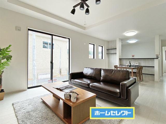 (LDK)ダイニングテーブル・ソファをゆったり置ける広々18帖LDK♪