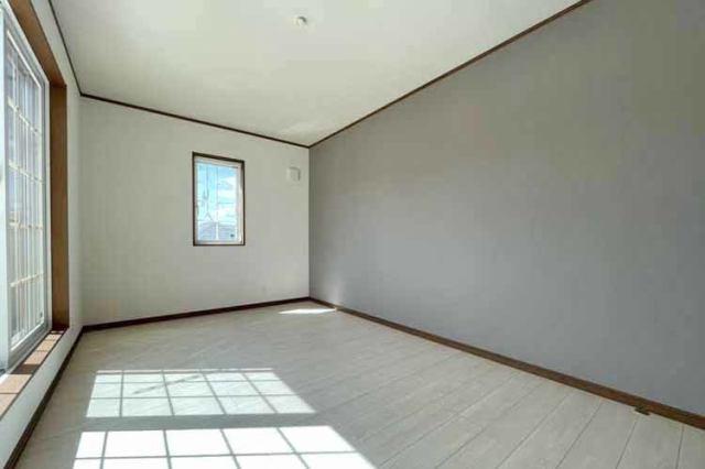 (同仕様:洋室) 子供部屋に最適な南に面した明るい洋室♪勉強もはかどるかも・・
