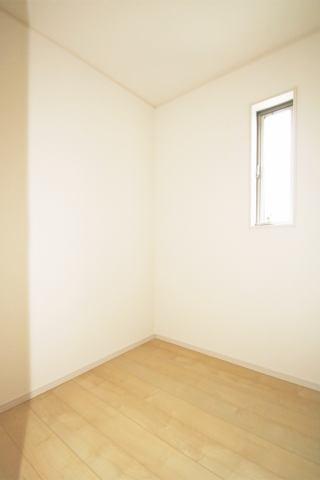 (同仕様・テレワークルーム)嬉しい個室型のスペース!リモート会議も円滑に♪