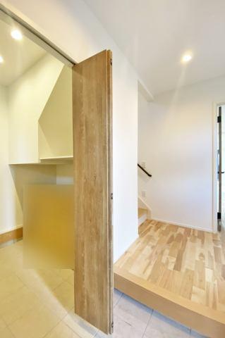 (土間収納)3畳の広さを確保した土間収納は子供用品や趣味の物などが保管可能♪