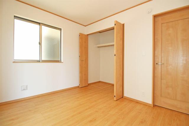 (同仕様・洋室) 各洋室・和室もすべて6帖以上の仕様です。