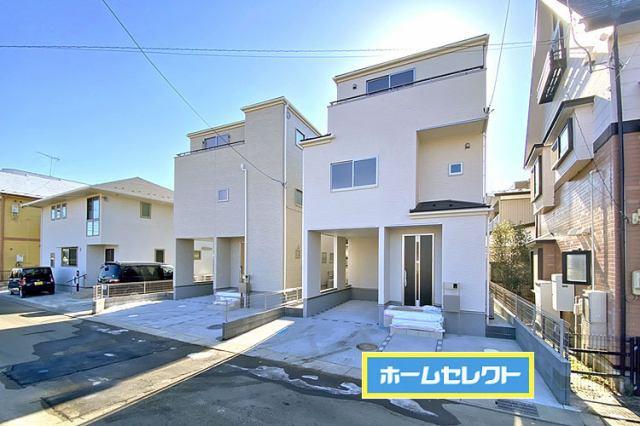 (現地写真)12月に完成したばかりの3階建て♪駐車2台OKです♪