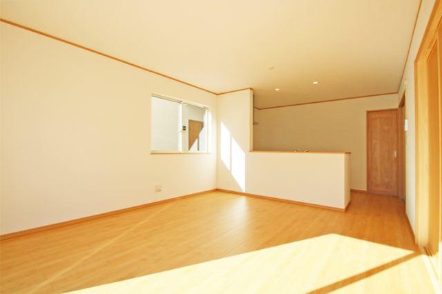 (同仕様・リビング)洋室続きの広々リビング!襖を外せば大空間!