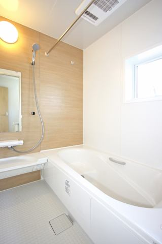 (同仕様・浴室)浴室乾燥機付きでお子様と入ってもゆとりのある1坪の広々浴室♪※カラーセレクト可能