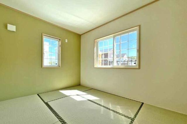 (同仕様:洋室) 二面彩光の明るい洋室♪ 書斎や趣味・大きな納戸としても使えます(^^)