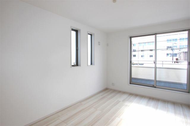 (同仕様・洋室) 8帖以上の主寝室向きのお部屋です♪クローゼットも大きめなので出し入れ楽々です