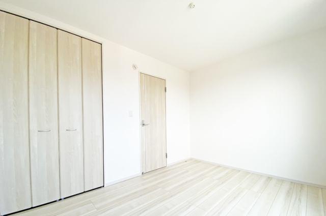 (洋室)2階は全室6帖以上!是非とも子供にひとり部屋!