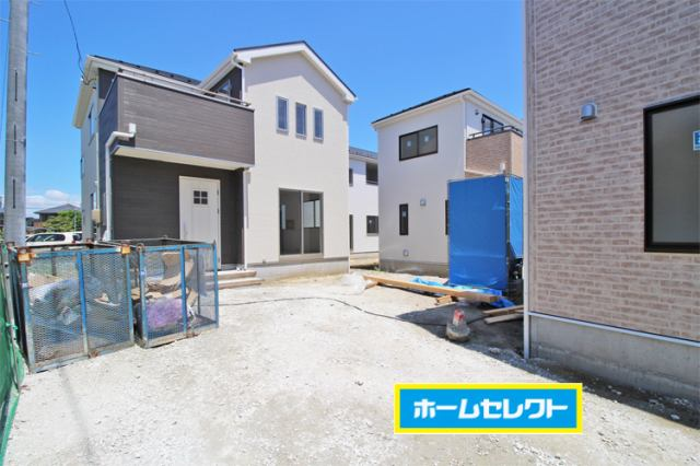 (現地写真)61坪の広い敷地に駐車スペース3台分!