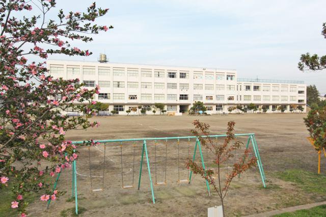 南光台東小学校徒歩16分