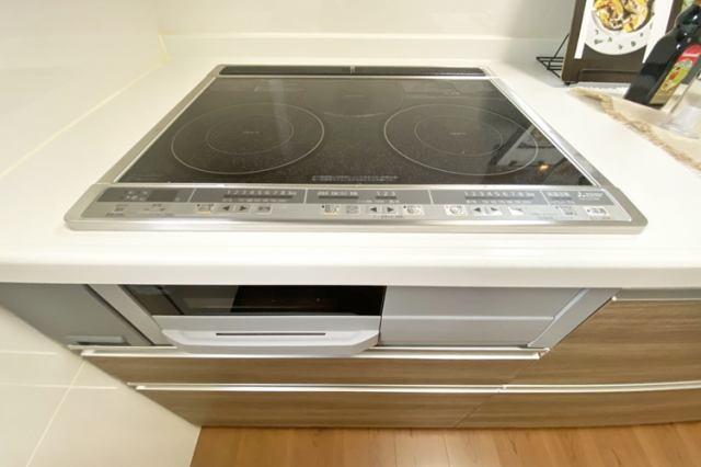 (同仕様・IHクッキングヒーター)火を使わない安全なIH♪お子さんと一緒に料理を始めてみませんか?