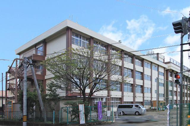 西多賀中学校まで徒歩12分(選択可能)