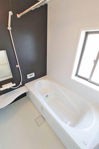 (同仕様・浴室) 浴室暖房は一度使ったらその快適さの虜になります♪
